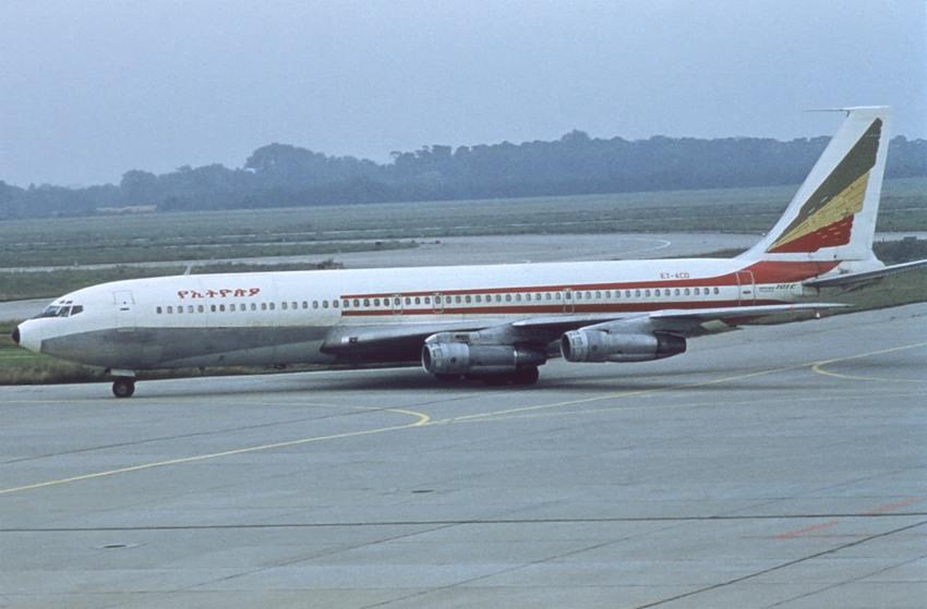 Sxf >> Ethiopian Airlines B707-300C ET-ACD (basic Air Algerie c/l)